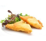 Chicken samosas with fresh salad garnish | Office Lunches delivered to you in Woking