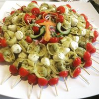 Spinach, Mozzarella and Cherry Tomato Tortellini Brochettes (v)